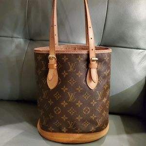 Handbags - Louis Vuitton  *Bucket Bag*